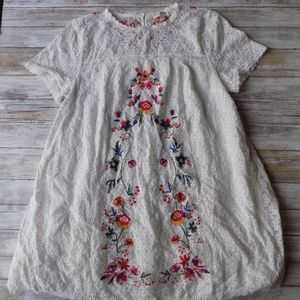 Medium Gently Used Dress Umgee USA Floral Lace